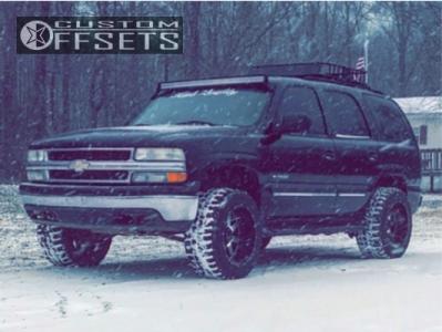 "2002 Chevrolet Tahoe - 20x12 -44mm - Gear Off-Road Big Block - Leveling Kit - 33"" x 12.5"""