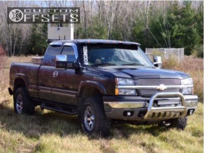 "2003 Chevrolet Silverado 1500 - 17x9 -12mm - Helo He878 - Body Lift 3"" - 285/70R17"