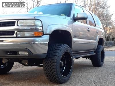 "2002 Chevrolet Tahoe - 20x12 -44.36mm - Moto Metal Mo962 - Suspension Lift 6.5"" - 33"" x 12.5"""