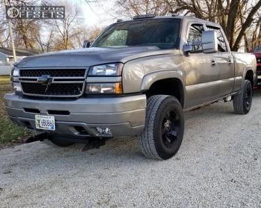 2006 Chevrolet K2500 - 18x9 0mm - XD Xd811 - Stock Suspension - 275/65R18
