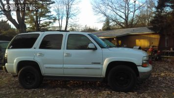 2002 Chevrolet Tahoe - 17x8 25mm - Ultra Rogue - Stock Suspension - 285/75R17