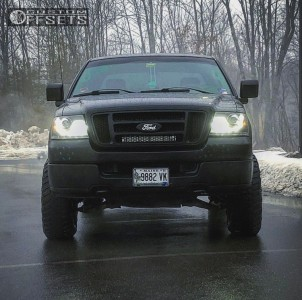 """2005 Ford F-150 - 17x7.5 40mm - Spaced Out Stockers Spaced Out Stockers - Leveling Kit - 33"""" x 12.5"""""""