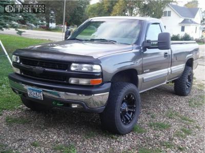 "1999 Chevrolet Silverado 1500 - 18x9 -12mm - Xd Xd778 - Suspension Lift 4.5"" - 33"" x 12.5"""