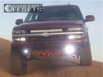"2004 Chevrolet Tahoe - 17x8 0mm - American Racing Baja - Suspension Lift 3"" - 35"" x 12.5"""