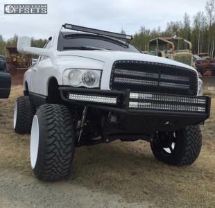 "2005 Dodge Ram 1500 - 24x16 -101mm - Fuel Forged Ff03 - Suspension Lift 6"" - 37"" x 13.5"""