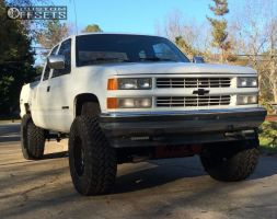 "1992 Chevrolet K1500 - 18x10 -24mm - Moto Metal Mo962 - Suspension Lift 5"" - 35"" x 12.5"""