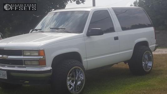 "1995 Chevrolet Tahoe - 20x14 -76mm - Fuel Maverick D536 - Stock Suspension - 33"" x 12.5"""