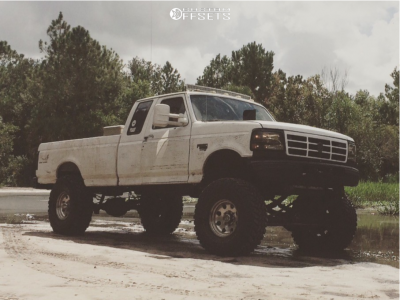 """1996 Ford F-250 - 17x9 -12mm - Ultra Type 164 - Suspension Lift 10"""" - 40"""" x 13.5"""""""