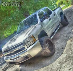 "2010 Chevrolet Silverado 1500 - 20x12 -44mm - Fuel Maverick D538 - Suspension Lift 4.5"" - 305/55R20"