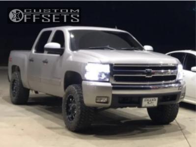 """2007 Chevrolet Silverado 1500 - 18x9 -1mm - Fuel Krank - Suspension Lift 3.5"""" - 285/65R18"""