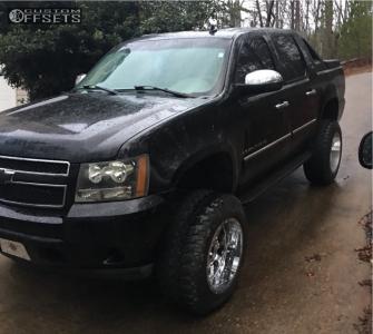 "2008 Chevrolet Avalanche - 20x12 -44mm - Fuel Krank - Suspension Lift 7.5"" - 35"" x 12.5"""