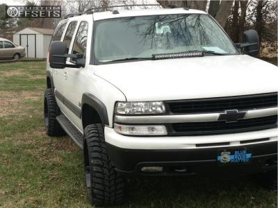 "2004 Chevrolet Suburban - 22x12 -44mm - Xtreme Mudder Xm-315 - Suspension Lift 3"" - 33"" x 12.5"""