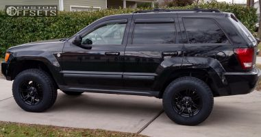"2007 Jeep Grand Cherokee - 17x9 -6mm - Rebel Racing Buckshot - Suspension Lift 3"" - 265/70R17"