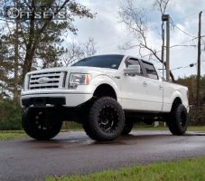 "2009 Ford F-150 - 20x12 -44mm - Moto Metal MO962 - Lifted >9"" - 38"" x 13.5"""