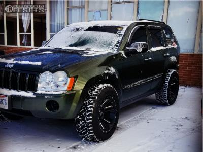 2007 Jeep Grand Cherokee - 18x10 -24mm - Moto Metal Mo982 - Stock Suspension - 285/60R18