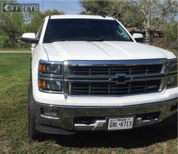 2015 Chevrolet Silverado 1500 - 20x10 -18mm - Moto Metal Mo201 - Leveling Kit - 305/55R20