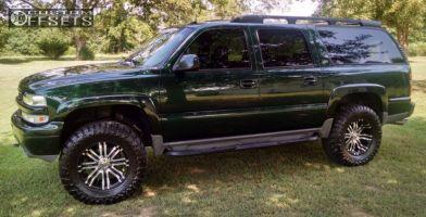 "2003 Chevrolet Suburban - 18x9 0mm - Eagle Alloy Series 197 - Leveling Kit - 35"" x 12.5"""