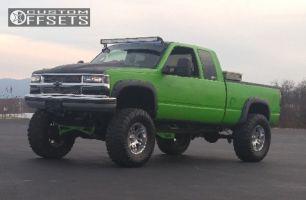 "1996 Chevrolet K1500 - 18x9 -12mm - Moto Metal MO951 - Suspension Lift 6"" & Body 3"" - 38"" x 13.5"""