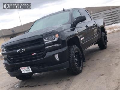 2018 Chevrolet Silverado 1500 - 18x9 -12mm - Fuel Maverick D610 - Leveling Kit - 275/70R18