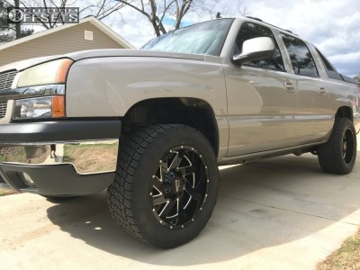 2006 Chevrolet Avalanche - 20x10 -18mm - Moto Metal Mo988 - Leveling Kit - 285/55R20