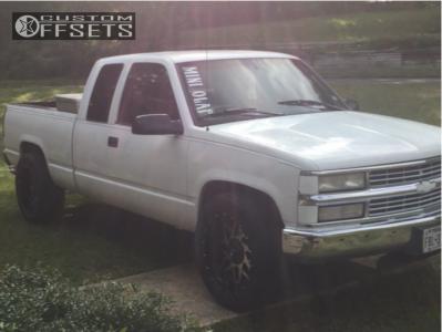 1998 Chevrolet C1500 - 20x10 -24mm - Xtreme Mudder Xm-313 - Stock Suspension - 275/55R20