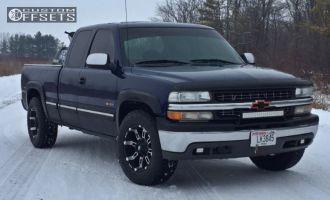 2000 Chevrolet Silverado 1500 - 18x9 -12mm - Red Dirt Road Thunder - Stock Suspension - 275/65R18