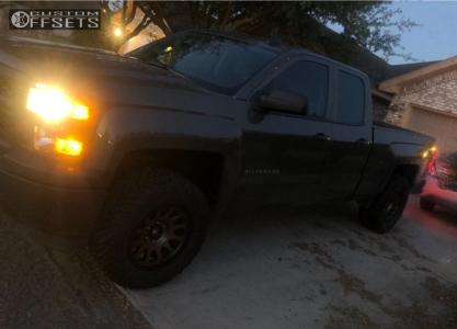 "2015 Chevrolet Silverado 1500 - 18x9 1mm - Fuel Vector - Leveling Kit - 33"" x 12.5"""