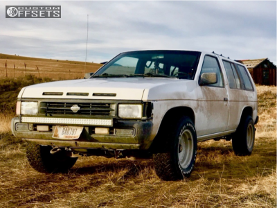 """1993 Nissan Pathfinder - 15x10 -38mm - American Racing Outlaw I - Stock Suspension - 31"""" x 10.5"""""""