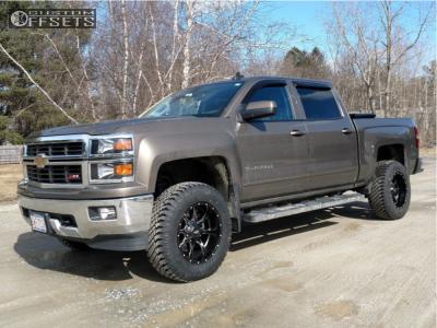 "2015 Chevrolet Silverado 1500 - 18x10 -24mm - Moto Metal Mo970 - Suspension Lift 3"" - 275/70R18"