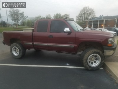 "2002 Chevrolet Silverado 1500 Classic - 18x10 -25mm - Mickey Thompson Classic Lock - Suspension Lift 6"" - 35"" x 12.5"""