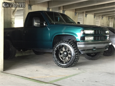 "1997 Chevrolet K1500 - 20x12 -44mm - Gear Off-Road Big Block - Leveling Kit - 33"" x 12.5"""