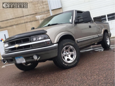 2001 Chevrolet S10 - 15x8 -19mm - Pacer Warrior - Stock Suspension - 235/75R15