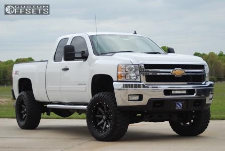 """2013 Chevrolet Silverado 2500 HD - 20x10 -24mm - Fuel Rampage - Suspension Lift 5.5"""" - 35"""" x 13.5"""""""