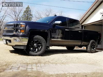 "2015 Chevrolet Silverado 1500 - 18x9 20mm - Fuel Razor - Suspension Lift 2.5"" - 33"" x 12.5"""