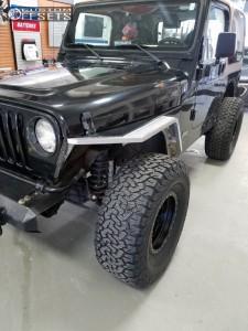 "1997 Jeep Wrangler - 15x8 -24mm - Method Double Standard - Leveling Kit - 33"" x12.5"""