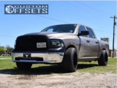 2010 Dodge Ram 1500 - 20x12 -44mm - Moto Metal Mo962 - Lowered on Springs - 305/50R20