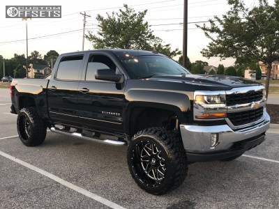 "2016 Chevrolet Silverado 1500 - 22x12 -44mm - Hostile Sprocket - Suspension Lift 6"" - 35"" x 12.5"""