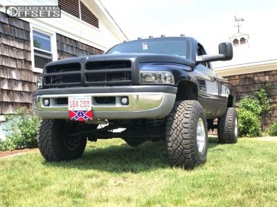 "1995 Dodge Ram 2500 - 16x12 -50mm - Mickey Thompson Classic Iii - Suspension Lift 3"" - 315/75R16"