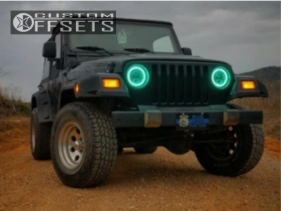 "2006 Jeep Wrangler - 15x8 -22mm - Mickey Thompson Classic Iii - Stock Suspension - 31"" x 10.5"""