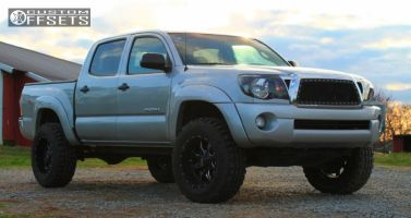 2010 Toyota Tacoma - 18x10 -24mm - Moto Metal MO970 - Leveling Kit - 275/65R18
