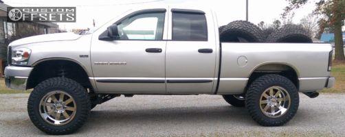 "2006 Dodge Ram 2500 - 20x12 -44mm - Moto Metal MO962 - Suspension Lift 5"" - 37"" x 13.5"""