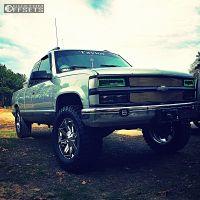 """1997 Chevrolet K1500 - 20x8.5 10mm - KMC Slide - Suspension Lift 4"""" - 35"""" x 12.5"""""""