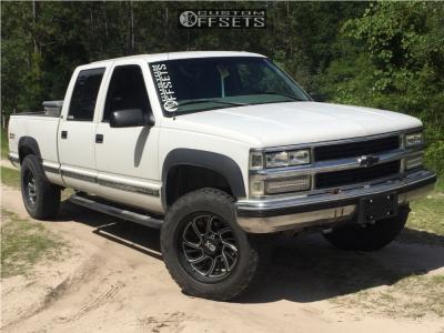 1999 Chevrolet K2500 - 20x10 -24mm - XD Xd826 - Leveling Kit - 275/65R20