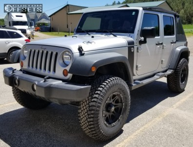 "2011 Jeep Wrangler - 17x9 0mm - Raceline Raptor - Suspension Lift 3.5"" - 35"" x 12.5"""