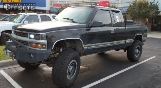 """1998 Chevrolet K1500 - 17x9 0mm - Alloy Ion Style 174 - Suspension Lift 7"""" - 37"""" x 12.5"""""""