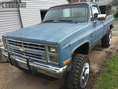 "1986 Chevrolet K10 - 22x12 -44mm - Off Road Monster M07 - Suspension Lift 4"" - 35"" x 12.5"""