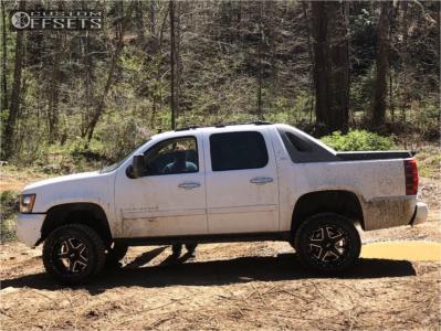 "2007 Chevrolet Avalanche - 20x12 -44mm - Xtreme Mudder Xm-315 - Suspension Lift 7.5"" - 33"" x 12.5"""