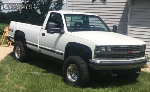 "1993 Chevrolet K2500 - 16x10 -25mm - Mickey Thompson Classic - Body Lift 3"" - 33"" x 12.5"""