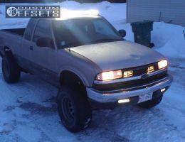 """2000 Chevrolet S10 - 15x9 -32mm - Circle Wagon - Body Lift 3"""" - 31"""" x 10.5"""""""