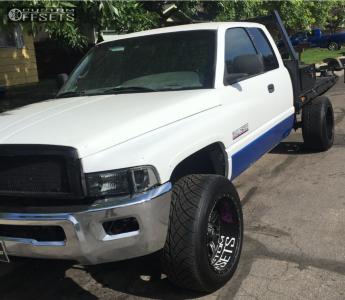 1999 Dodge Ram 2500 - 20x12 -44mm - Red Dirt Road Dirt - Stock Suspension - 305/50R20